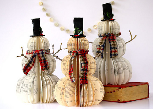 Vianočný snehuliaci zo starých kníh