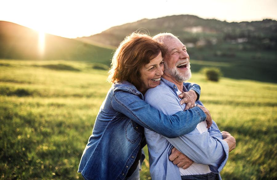 Senior online dating stránok Raya datovania aplikácie UK