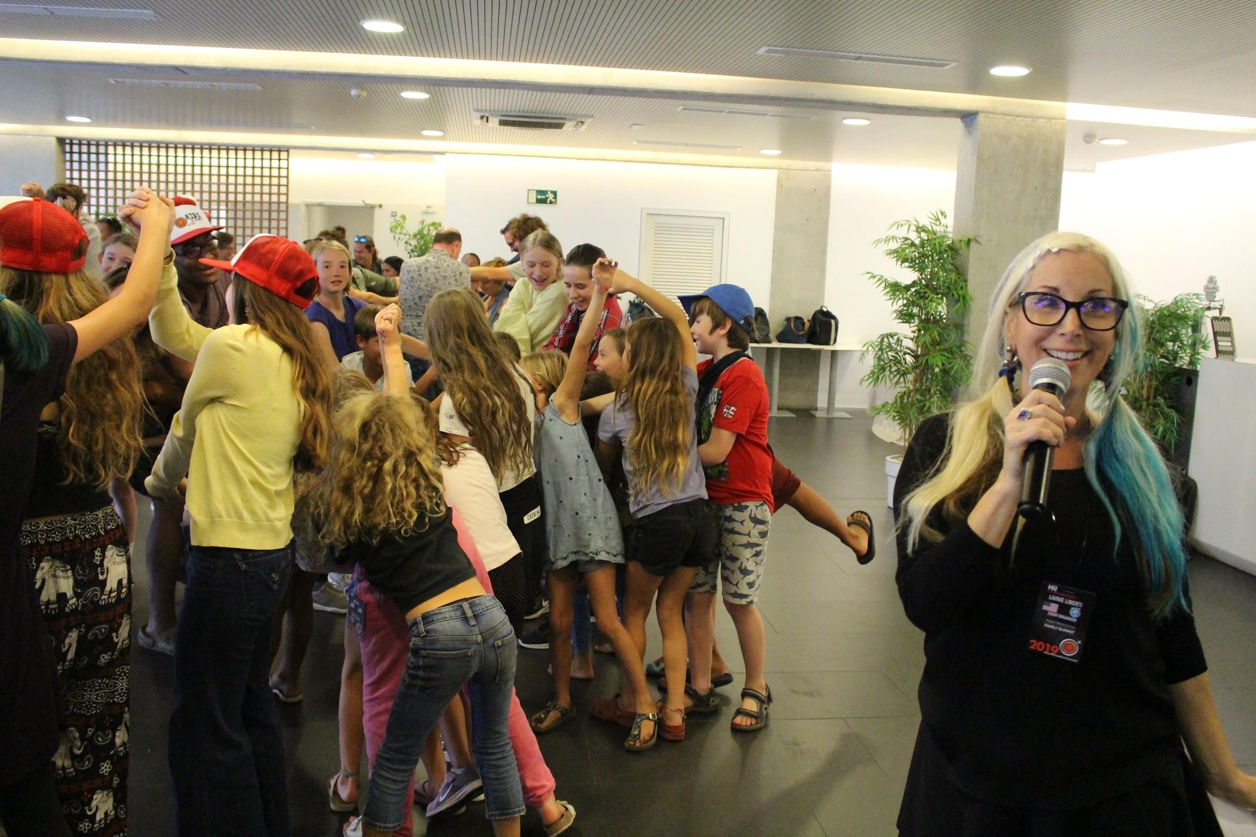 Lainie Liberti uvádza ďalšiu aktivitu pre deti. / Foto: Gábor Pásztor