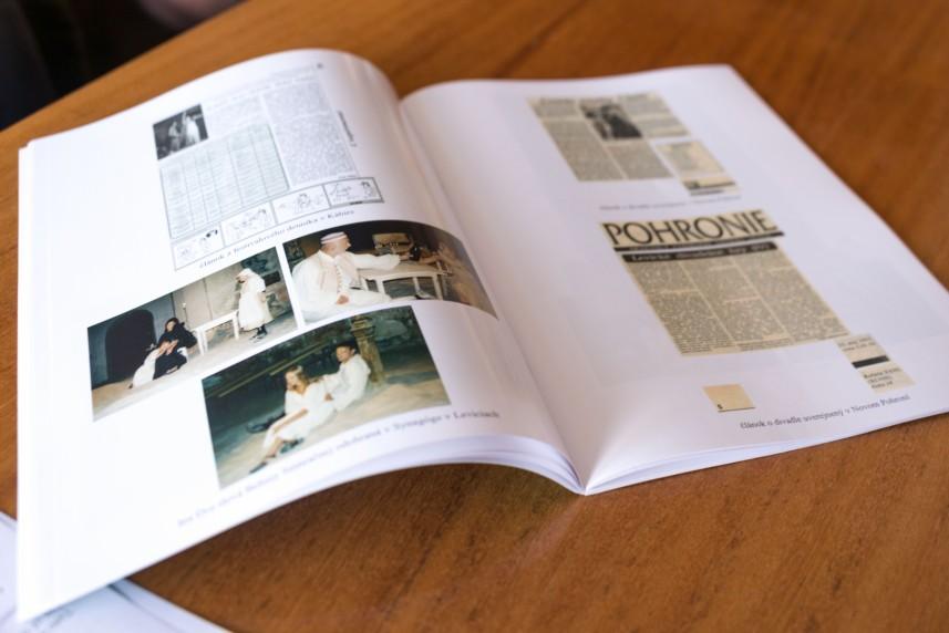 Vďaka finančnej podpore vznikla aj učebnica Objavujeme Levice v minulosti. / Foto: archív GPM