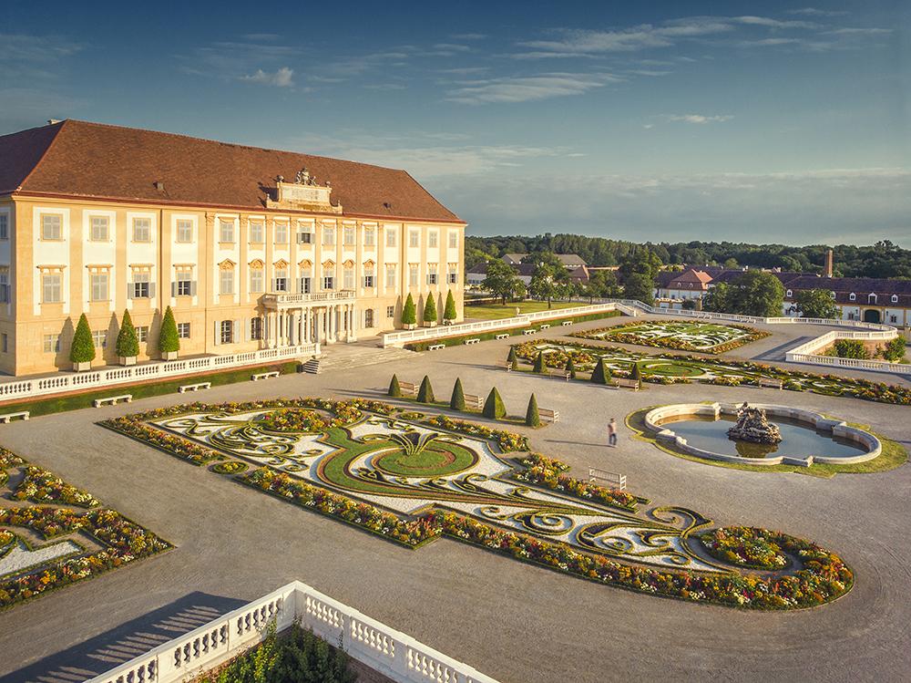 Zámocký areál Schloss Hof