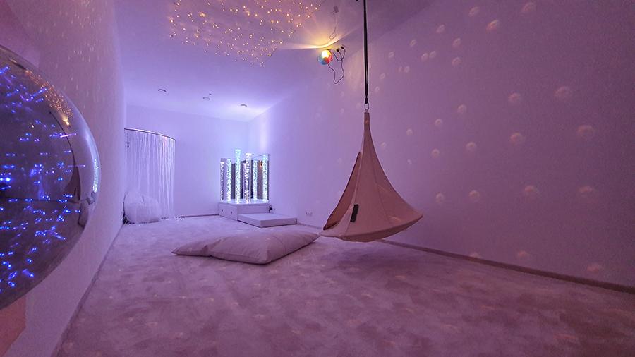 Špeciálna terapeutická miestnosť – Snoezelen / Zdroj: littleBIG