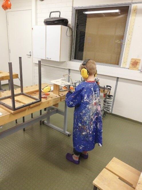 Deťom dávajú vo Fínsku značný priestor aj na získanie manuálnych zručností.