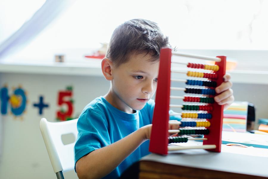 Matematická úzkosť môže mať vplyv na malé deti./Zdroj: Bigstock