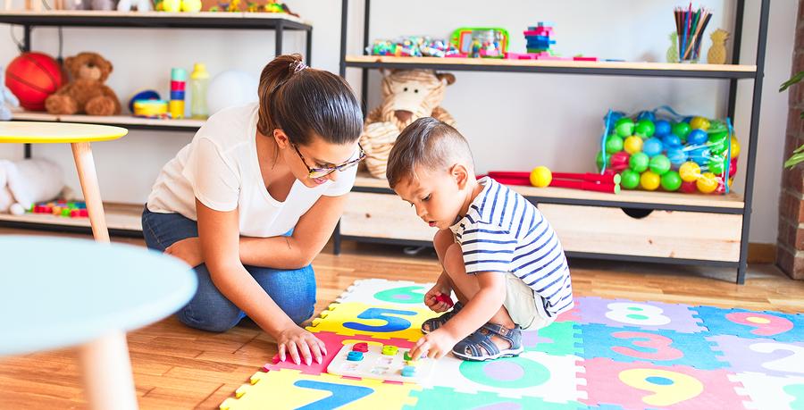 Skladajte s deťmi pravidelne rôzne druhy puzzle. / Foto: Bigstock