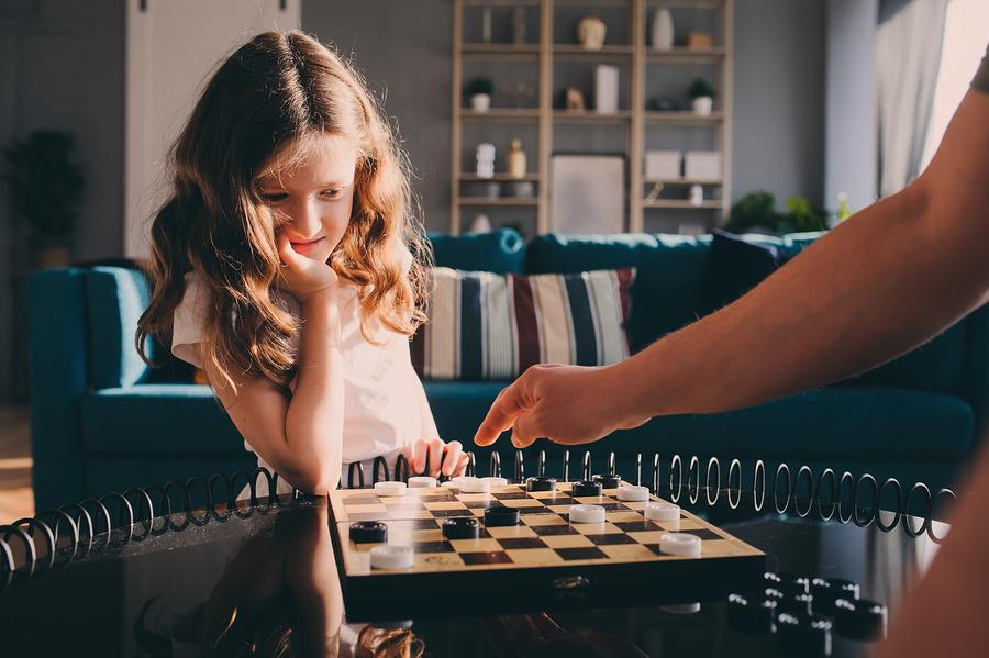 Spoločenské hry môžu zabaviť celú rodinu aj hodiny. / Zdroj: Bigstock