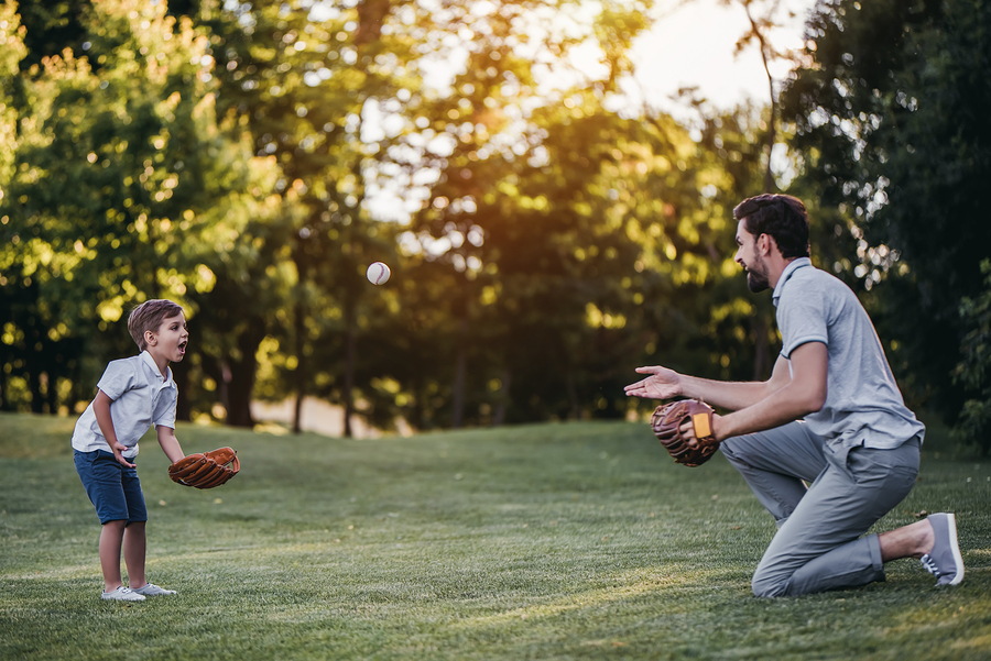 Aj šport je ideálna príležitosť, ako sa s deťmi zahrať. / Foto: Bigstock