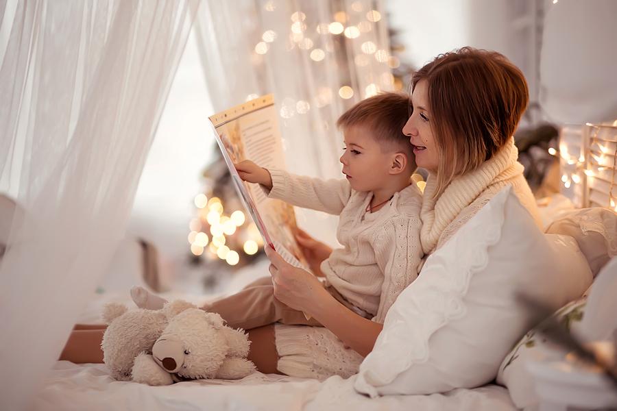 Čítajte si s deťmi knihy. / Zdroj: Bigstock