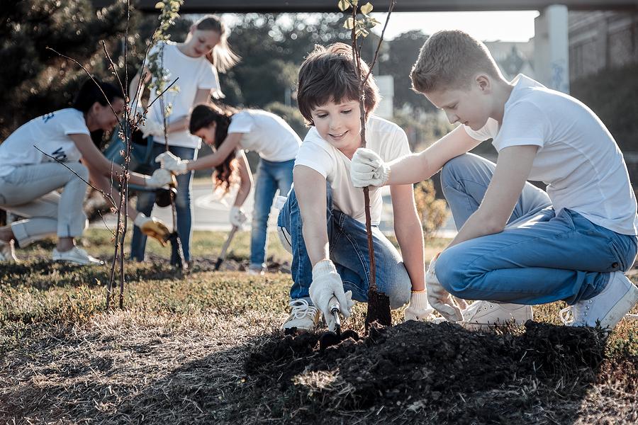 Umožnite deťom byť čo najviac v spojení s prírodou. / Zdroj: Bigstock