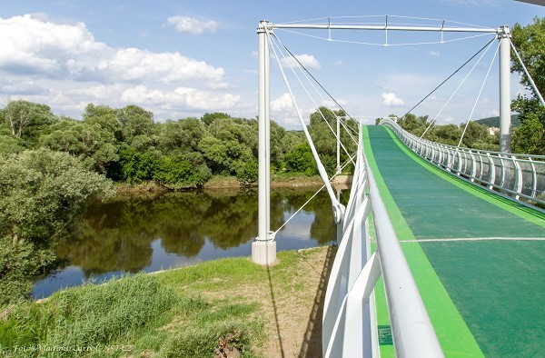 Most Slobody nad riekou Morava. / Zdroj: structurae.net