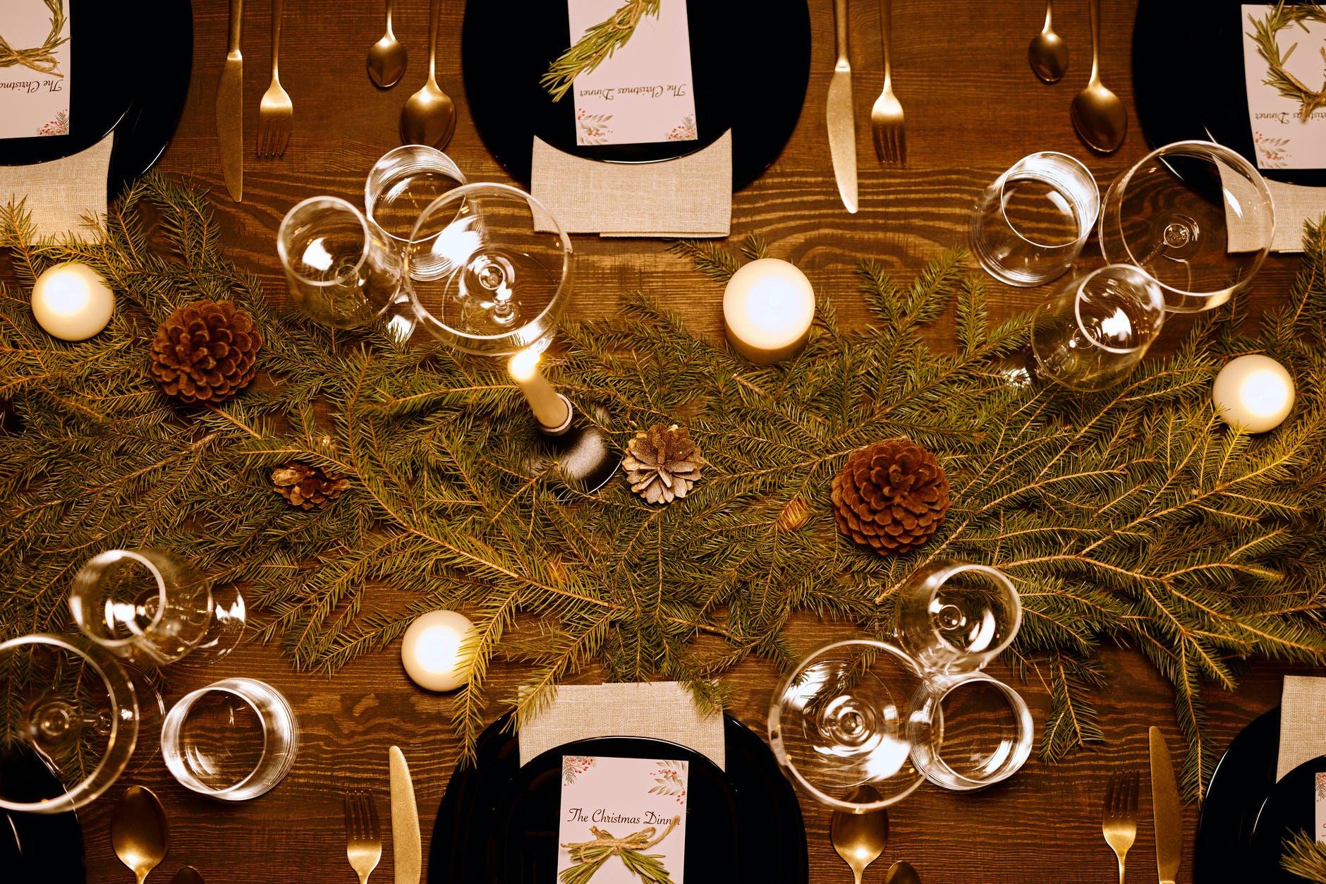 Inšpirácia na vianočné prestieranie / Zdroj: Pexels