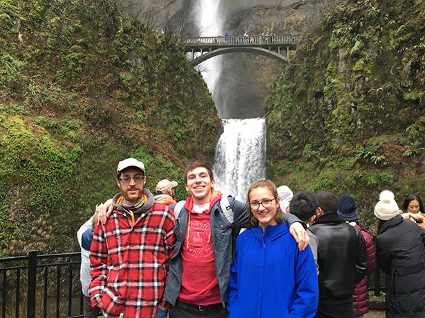 Kristína Stieranková počas výmenného pobytu v USA s americkou rodinou na výlete v Oregone / Foto: KS