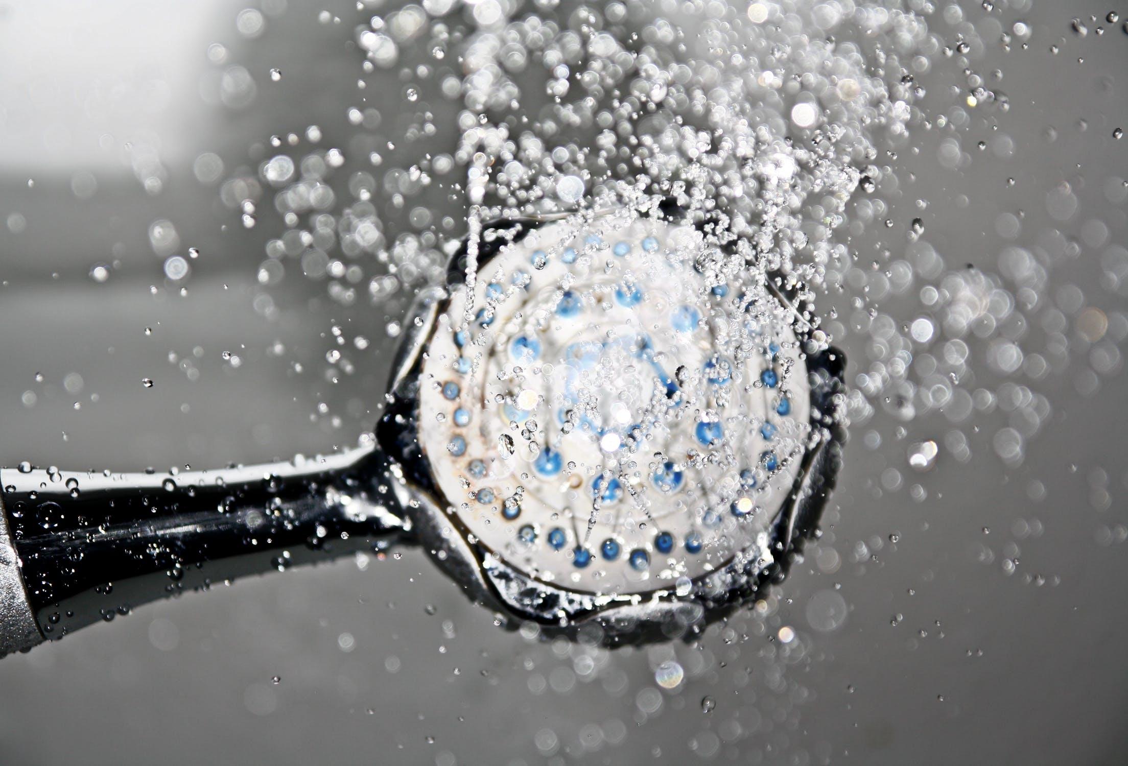 Studená sprcha / Zdroj: Pixabay
