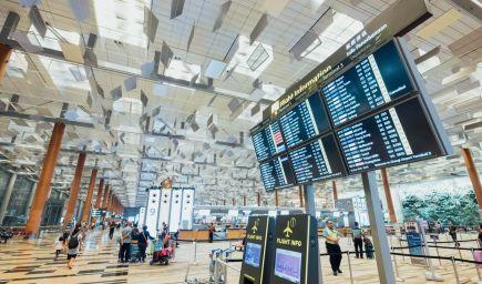 Pravidlá platné na hraniciach od 19. júla. Viete, čo vás čaká pri cestovaní do zahraničia?