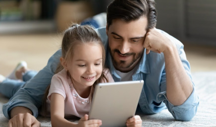 Na budúcnosť dieťaťa treba začať sporiť už dnes