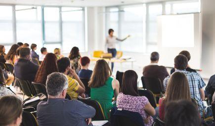 Rezort školstva vyhlásil výzvu na podporu štúdia učiteľov