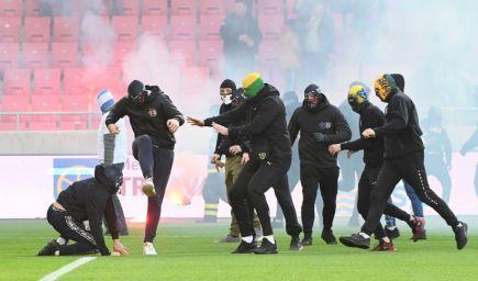 I.Husár odsudzuje správanie futbalových výtržníkov, SaS žiada expemplárne tresty
