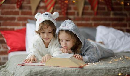Zábavné aktivity, ktoré malé deti učia milovať knihy