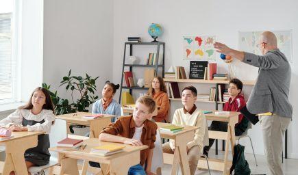 Analytik: Stratégia, aby sa školy nezatvárali, je správna, mala sa realizovať skôr