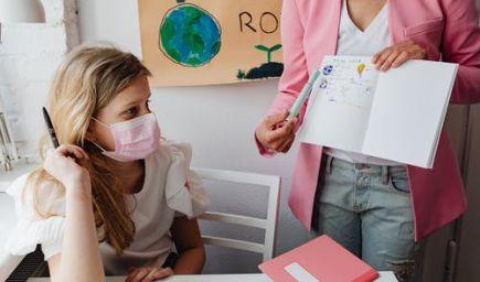 B. Gröhling: V školách sa bude pokračovať so samotestovaním do konca roka