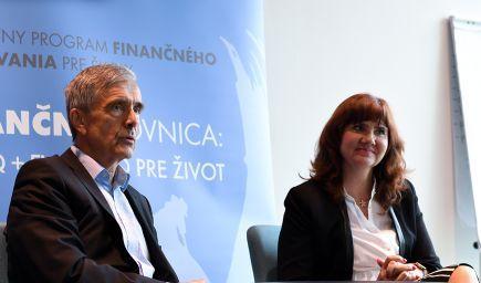 Unikátny program FinQ pre školy má zlepšiť finančné vzdelávanie detí a mládeže. Opäť však nejde o iniciatívu štátu