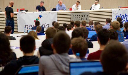 Lídri IT biznisu študentom: Nebojte sa pýtať, preferujte etické firmy a bojujte proti korupcii.