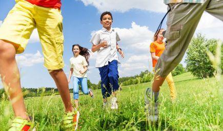 Čo robiť s deťmi v prírode? Môžete skúsiť s nimi aj beh