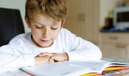Ako pomáhať čítať žiakom, ktorí trpia dyslexiou?
