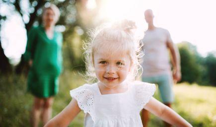 Ako môžete pomôcť deťom preniesť sa cez  pocit závisti či nároku a naučiť ich vnímať vďačnosť?