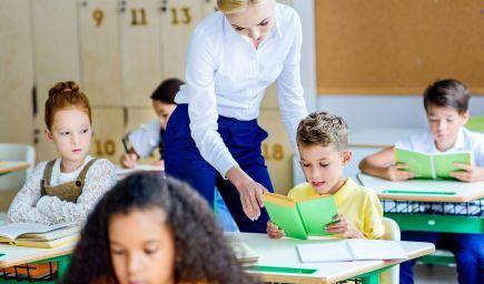4 kroky, ktoré pomáhajú žiakom  precvičovať čítanie s porozumením