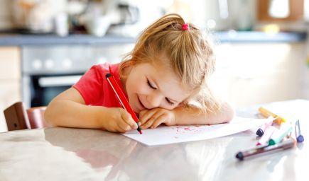 Rozvíjajte grafomotoriku s predškolákmi hravou formou