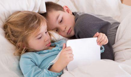 Svetlo obrazovky zabíja zdravý detský spánok. Aké pravidlá by ste mali podľa vedcov dodržiavať?