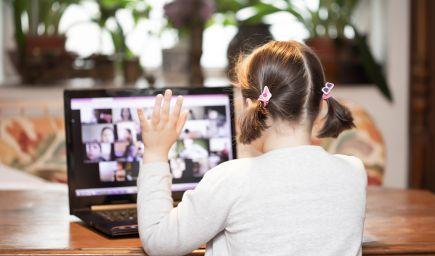 Aj v online priestore sa dá z triedy budovať komunita