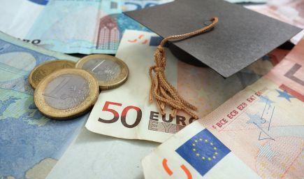 Od štúdia v zahraničí odrádza mladých ľudí najmä finančná náročnosť