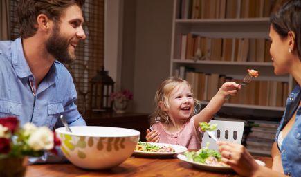 Všímavosť pri jedle: Učme deti vnímať jedlo. Predchádzame tým problémom so stravovaním v budúcnosti