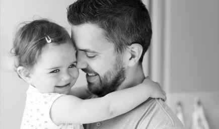 Otec zásadne ovplyvňuje neskoršie sexuálne správanie detí, tvrdia vedci