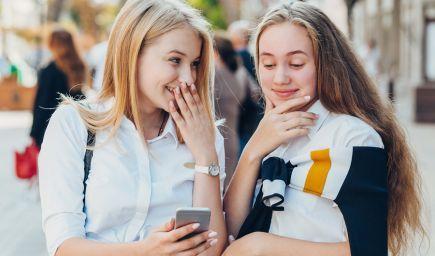 Bezpečnosť na internete je o zodpovednosti každého z nás. Facebook vzdeláva deti i dospelých, ako používať sociálne siete bezpečne