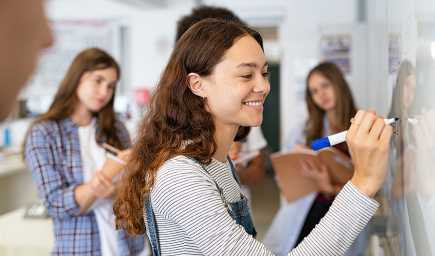 Stredné školy sa od pondelka otvoria v deviatich okresoch