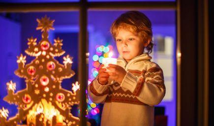 Hovoriť deťom pravdu, kto nosí darčeky alebo si ponechať Vianoce magické čo najdlhšie?