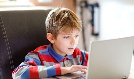 Ako deťom uľahčiť online vzdelávanie