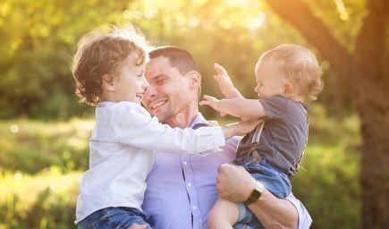 Aká by mala byť úloha otcov pri starostlivosti o deti? Vedci zistili, čo funguje a kedy to v rodinách škrípe