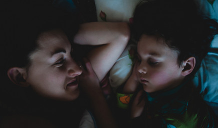 Ako uspávať dieťa? Cieľom by malo byť, aby sa dieťa postupne naučilo zaspávať samo