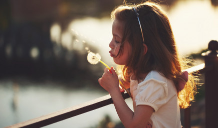 Detský psychoterapeut Peter Pöthe: Dieťa nemá byť zdrojom sebaúcty a hodnoty rodičov