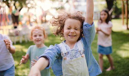 Tajomstvo šťastia Dánov odhalené: hygge, hodiny empatie a spolupráca