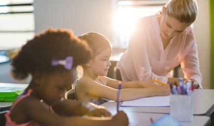 Školy sa zasekli v minulosti. Podnikatelia im chcú pomôcť zvládnuť budúcnosť