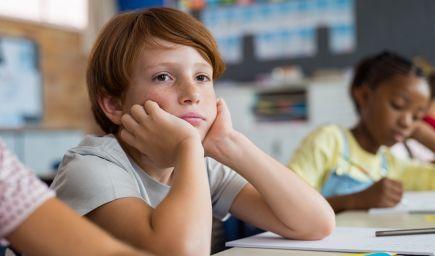 ADHD je diagnostikované najmladším deťom v triedach častejšie, tvrdia vedci