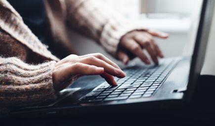 Výskum: Slováci viac veria digitálnym médiám ako inštitúciám