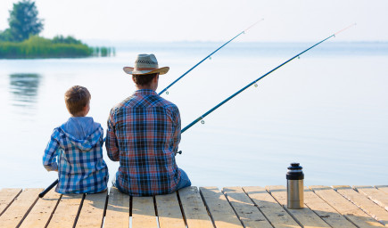 Rybárstvo učí deti trpezlivosti a dokáže ich odpútať aj od mobilov