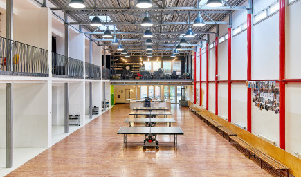 Petržalská škola získala za svoju premenu architektonickú cenu CE.ZA.AR