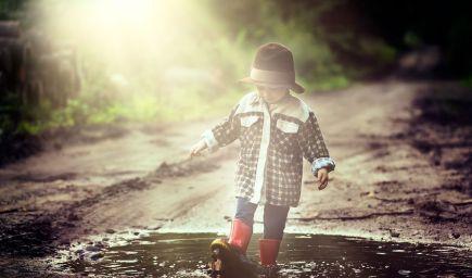 Hry do prírody: Máte pocit, že sa vaše dieťa nudí? Vyberte sa spoločne do lesa či na lúku